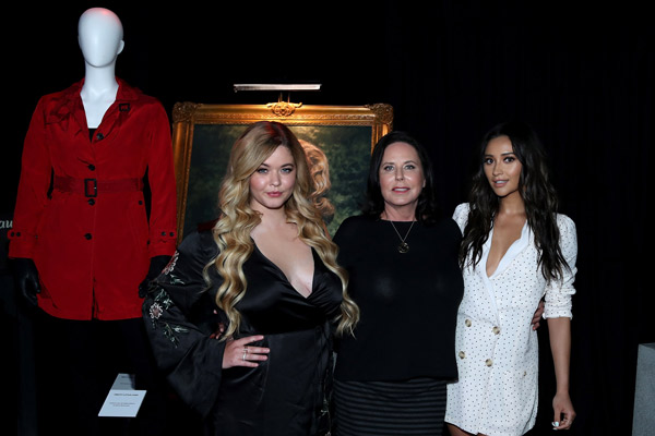 Warner Bros. Studio Tour Hollywood Launches PRETTY LITTLE LIARS: MADE HERE Featuring Authentic Costume, Props from the Hit Series Celebrating its Final Season