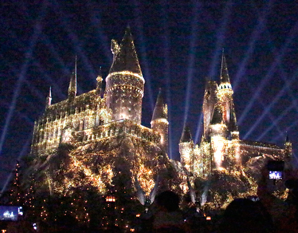 @Thisfunktional Attends Universal Studios Hollywood Media Preview for #WizardingWorldHollywood's NIGHTTIME LIGHTS AT HOGWARTS CASTLE
